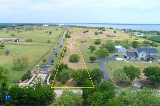 10 acres by Lake Ray Roberts
