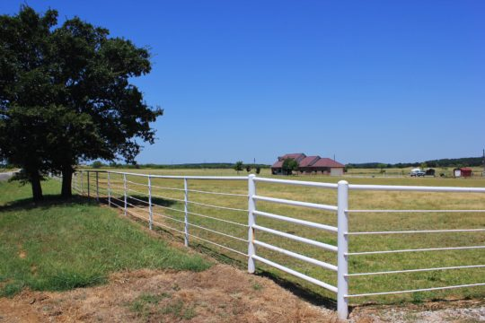 Ranch home & acreage near Lake Amon G. Carter